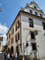Cervecería famosa por sus clientes (Lenin y Hitler)